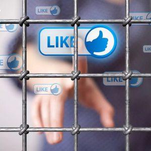 Часть 3. Блокирование сайтов и преследование в Интернете. Тюрьма за репост.