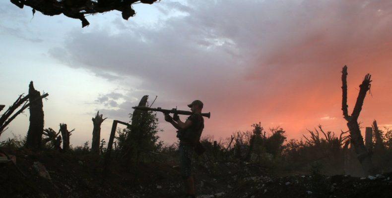 ГУР: Террористы разоружили и избили своего командира – офицера ВС РФ