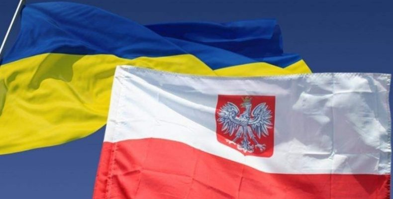 Польша закрыла только консульства в Украине – посольство работает