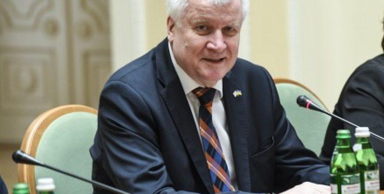 Премьер Баварии: дискуссия о санкциях против РФ возможна после «прогресса» в минских соглашениях